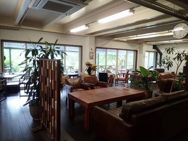 温川 パラダイスカフェ